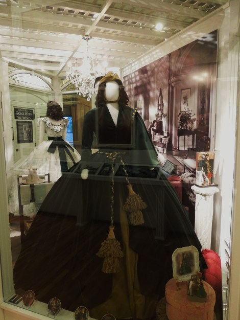 Gone-with-the-wind-museum-Scarlett O'hara-green-velvet-curtains-Dress