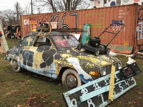 Recycled art-appliances at the Heidelberg Project