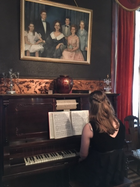 Player-piano-parlor-Copper-King-Mansion-Butte-Montana