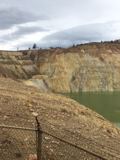 Toxic-waste-Berkeley-Pit-Viewing-Platform