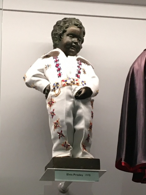 Manneken Pis as Elvis Presley