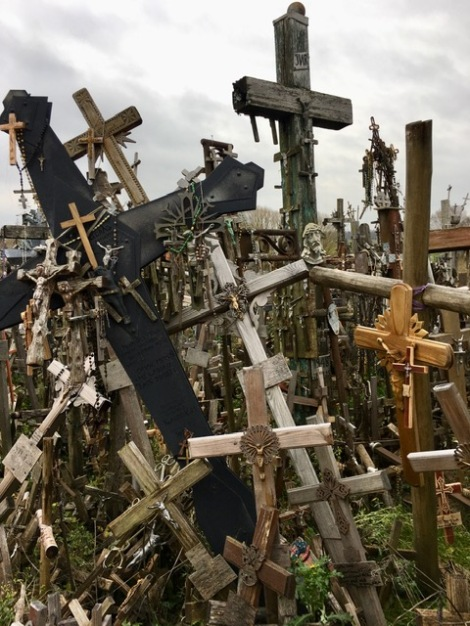 Hill-of-Crosses-lithuania-siauliai-what-to-see-where-to-go-and-what-to-know