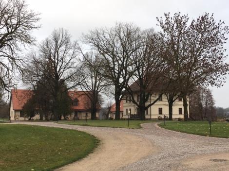 Mazmežotne Manor exterior buildings